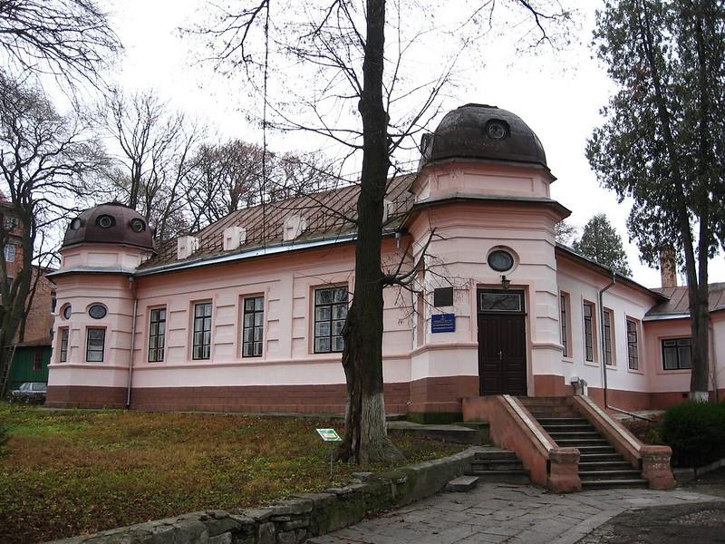 Бывшая резиденция С.Петлюры, ныне - ОПТ санаторий