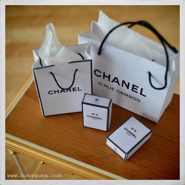 https://bonequea.com/2016/10/28/tutorial-de-perfumes-en-miniatura-chanel