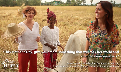 Susan Sarandon with daughter Eva Amurri Martino and Sok Soeun, member of the Women's Prosperity Group in Cambodia
