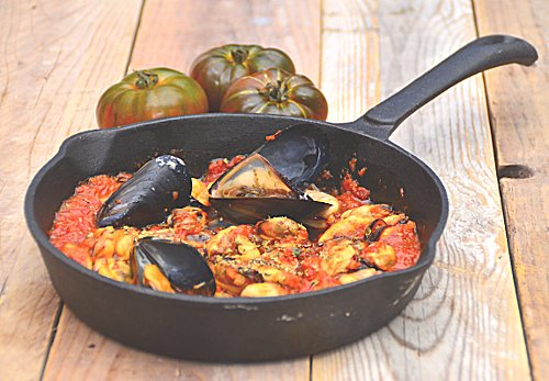 mussel saganaki