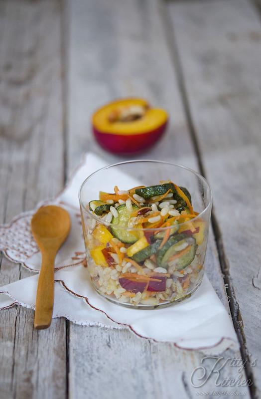 Insalata di Cereali con Zucchine e Pesche