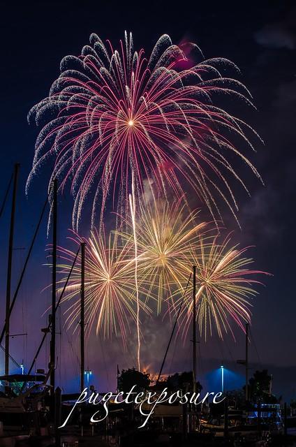 2013 Thunder on the Bay Fireworks over Port Gardner Bay