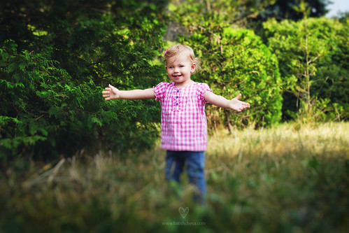 Happy Happy Polly by LikClick Photography
