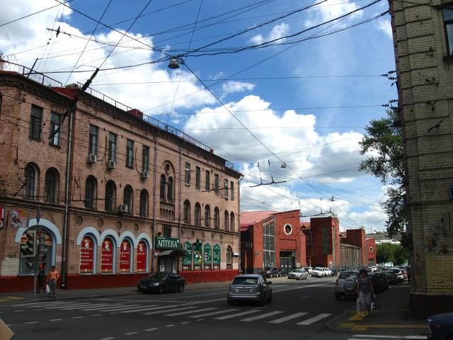 Новорязанская ул., гараж для грузовых машин Моссовета