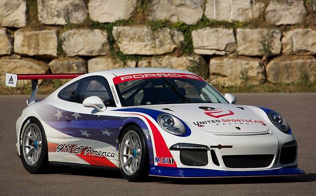 Porsche-911-GT-America-2