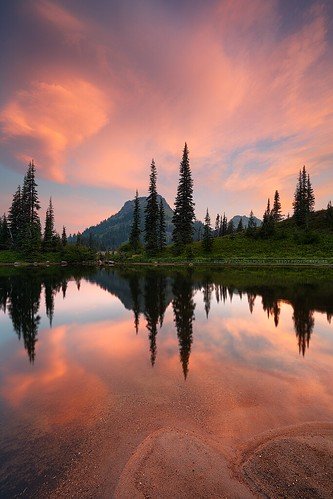 Soft sunrise colors over Tipsoo lake, near Mount Rainier