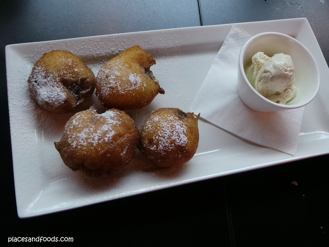fried oreo at curious squire