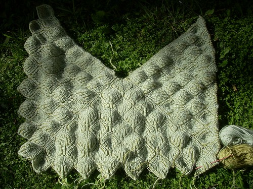 Brioche shawl: casting off by Asplund