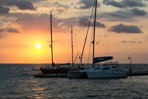 reflection sailboat sunrise virginia boat colorful yorktown yorkriver