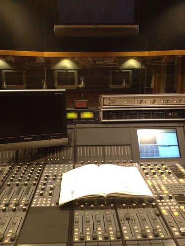 130912(1) - 第1集、音響監督「蝦名恭範」(えびなやすのり)推特專欄《你不敢問的配音常識》追加「拿書、吸氣、別錄」Q&A情報! 1