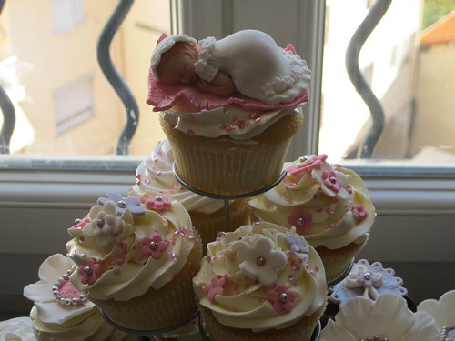 baby shower cupcakes are kinda creepy would you eat a fondant baby