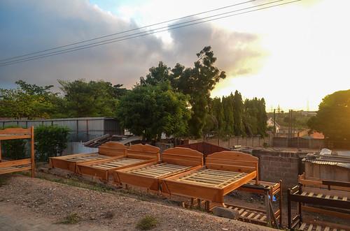 accra africa bed bicycle day322 ghana sunrise wood freewheelycom cycletouring cyclotourisme velo cycling jbcyclingafrica
