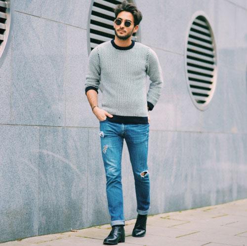 黒白チェックセーター×デニムパンツ