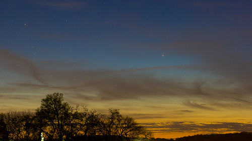 Mercury meets the Pleiades