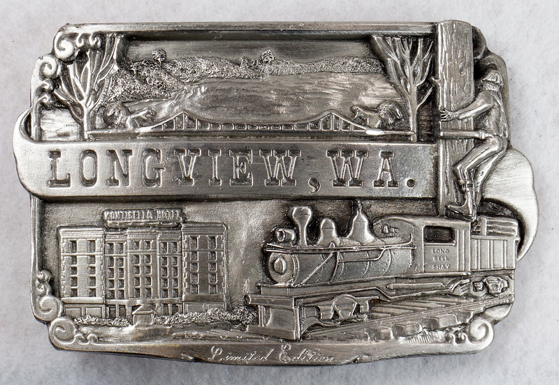 RD14449 1984 Siskiyou Belt Buckle LONGVIEW, WA Limited Edition Shay Locomotive, Monticello Hotel, Logger DSC06375