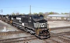 Norfolk Southern D8-40CW 8365