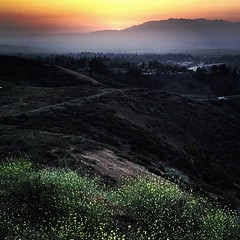 and another nice sunset today. #sunset #mountains #redlands #instagram #iphoneonly