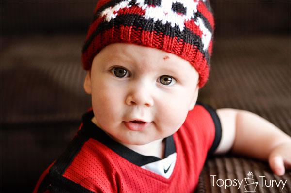 intarsia-skull-baby-beanie-eyes