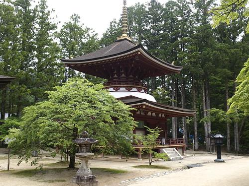 Platform Buddhist temple Higashi tower  by leicadaisuki