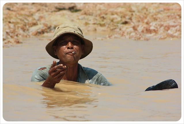 fisherman tonle sap