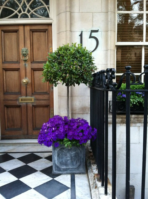 Things That Inspire: My zinc planters: two years later (and my new on