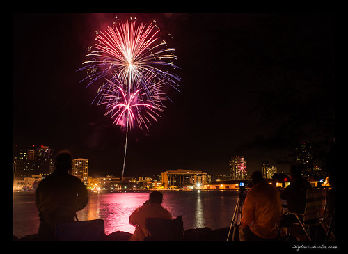 Aloha Tower 4th of July Fireworks 2013