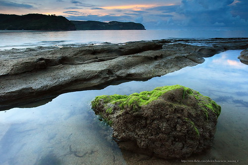 morning travel seascape beach sunrise landscape photo foto lombok batu pantai triana waterscape payung nanang franciscus tengah