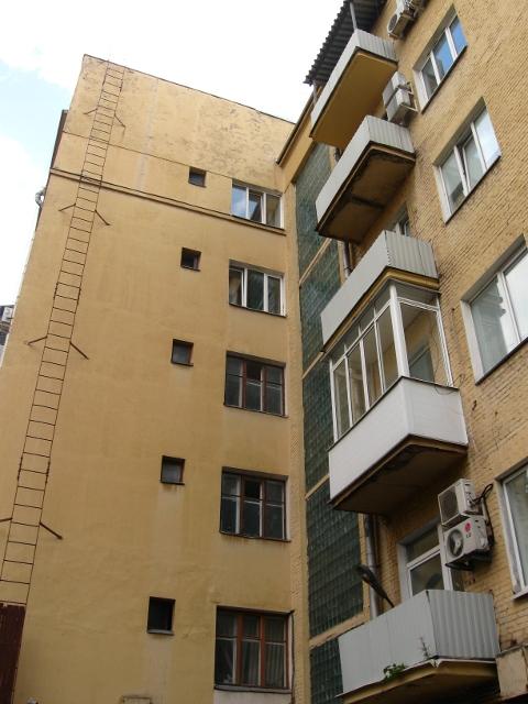Дом-коммуна на ул. Лестева 13