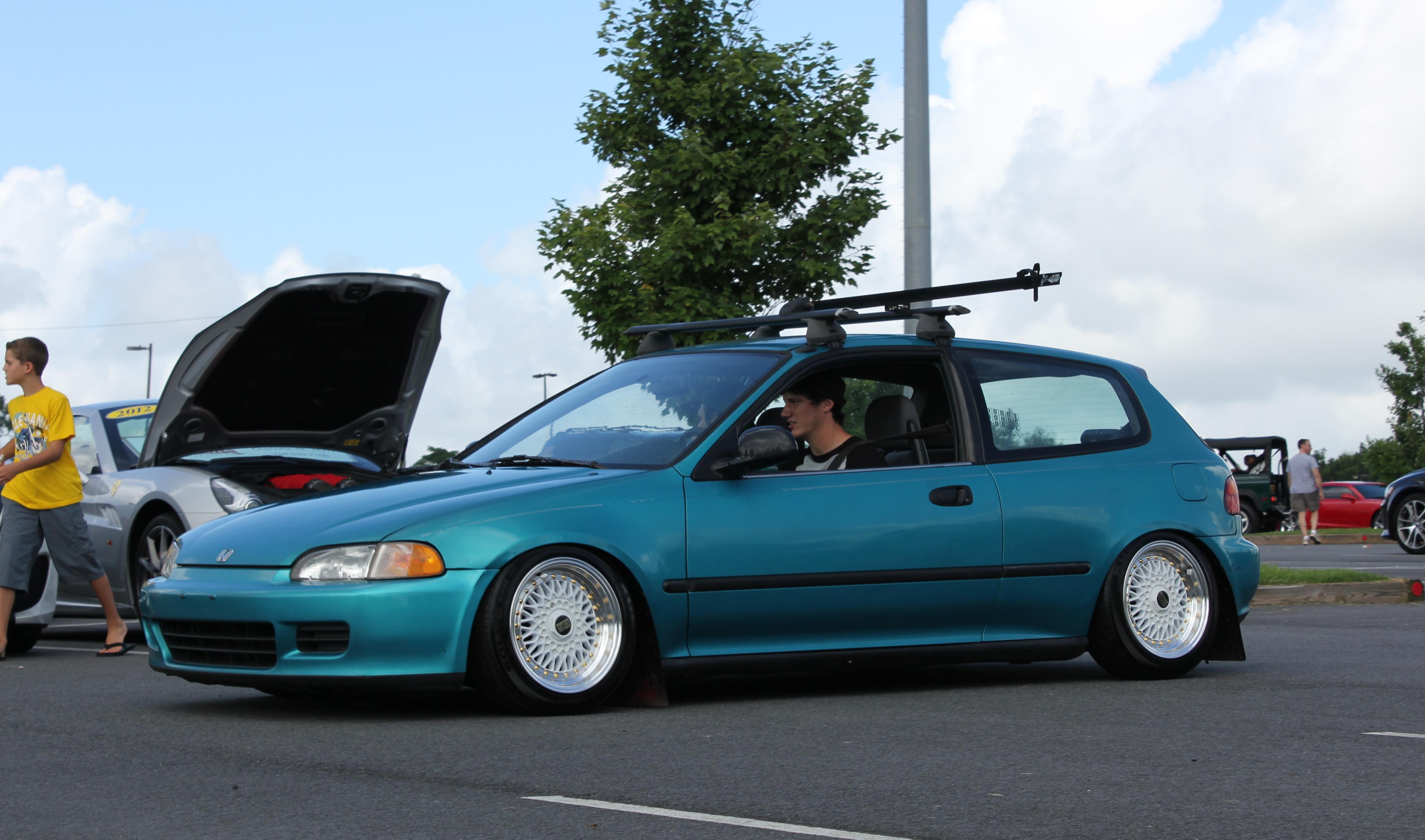 Slammed honda civic eg hatch flickr photo sharing for Honda eg hatchback