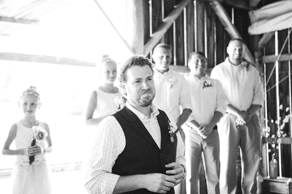 Photographs of emotional grooms, grooms who cry