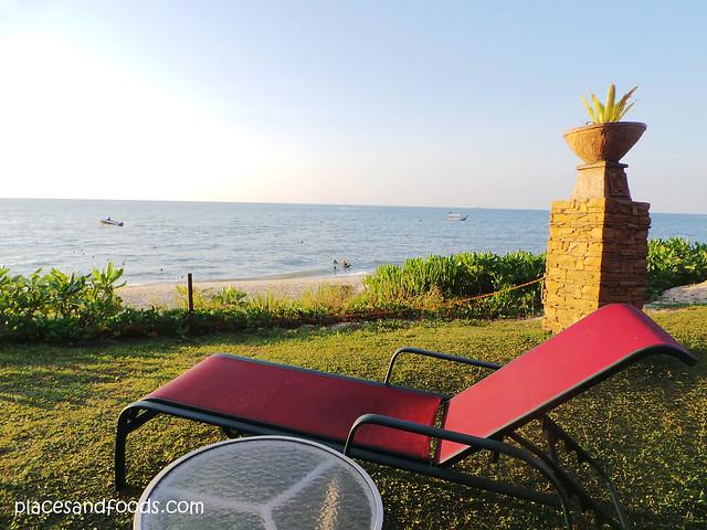 parkroyal penang batu ferringhi beach benches