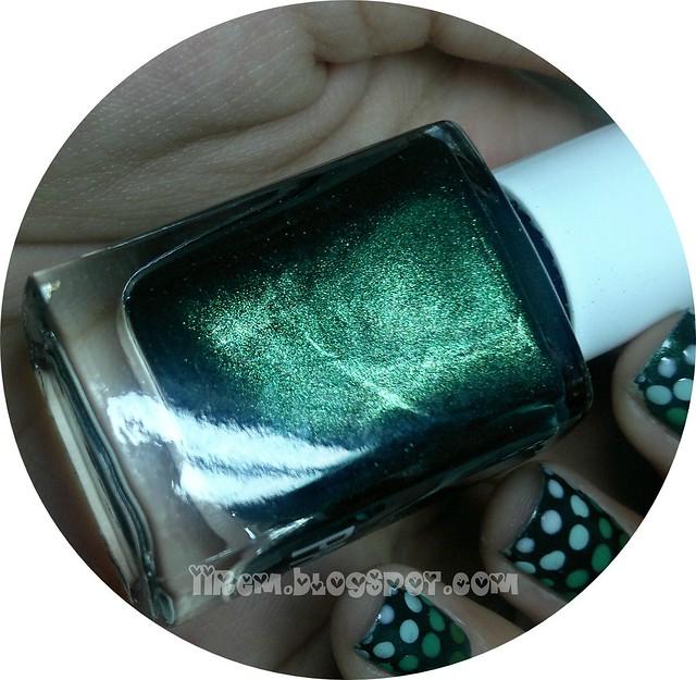 Gradient Polka-Dot Manicure (5)