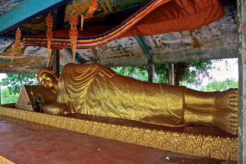 a reclined Buddha