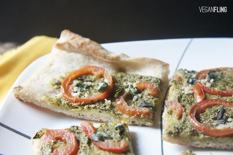 pestotomatopizza3_veganfling