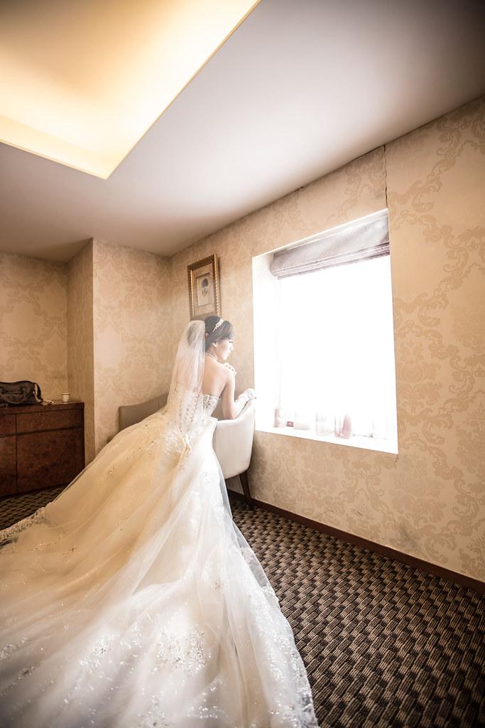 wedding0504-256-2.jpg