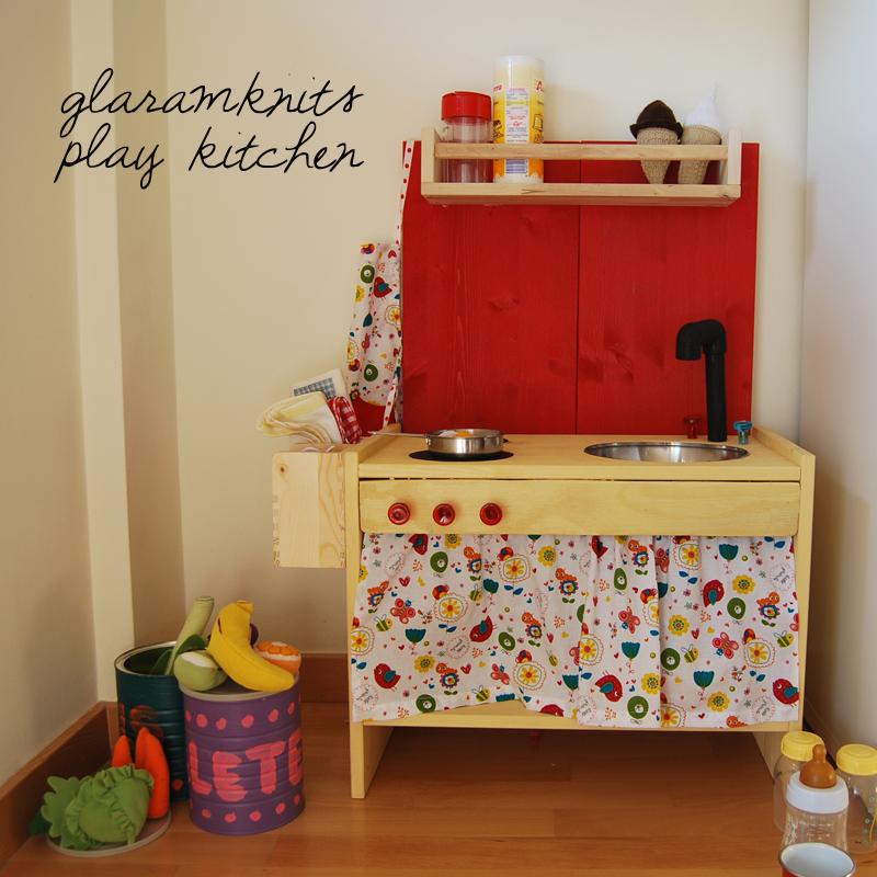 Cocinita en madera diy ikea playkitchen ii for Cocinitas de juguete segunda mano
