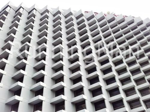 Traders Hotel 01 - Exterior Facade
