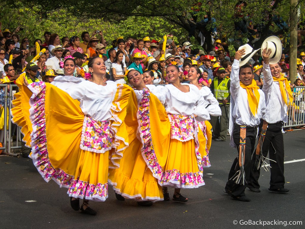 Between the various groupings of silleteros were colorfully-dressed dancers