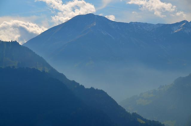 Montañas camino de la casita de Heidi