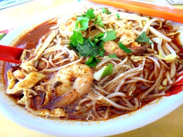 Colourful Cafe Sarawak laksa