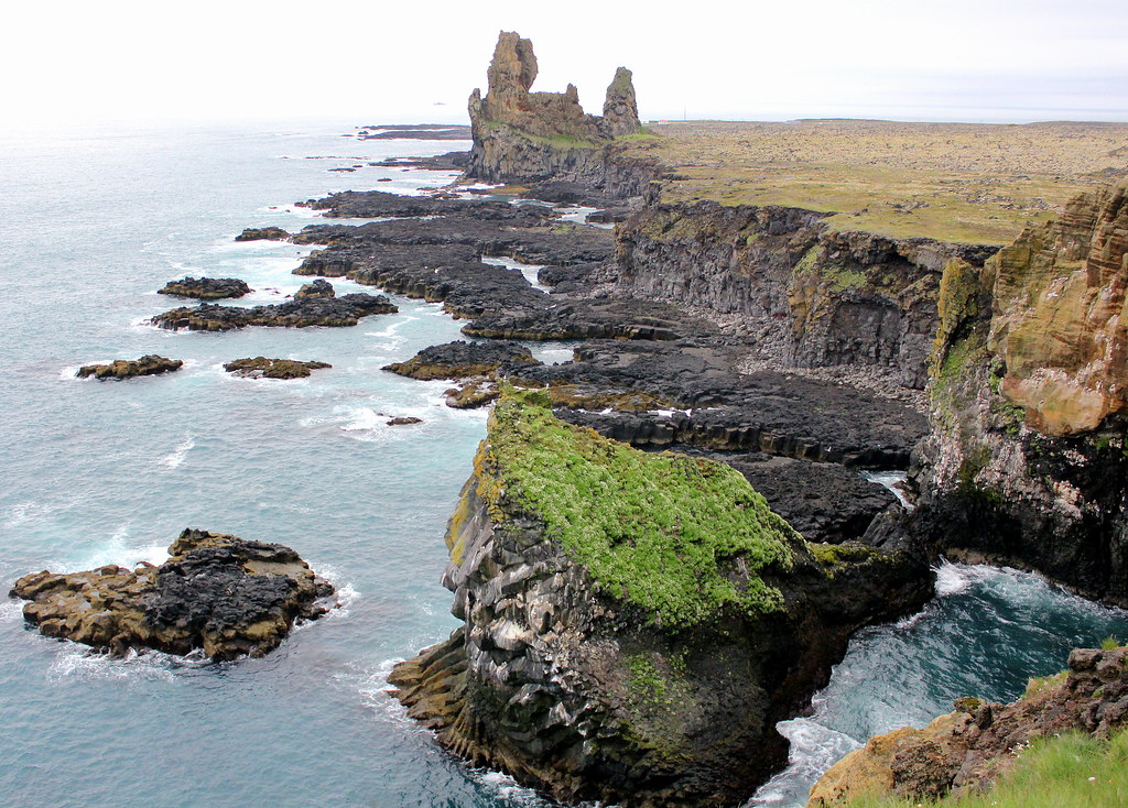 snaefellsnes-peninsula-hellnar-cliffs