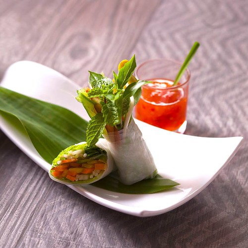 Fresh spring roll with prawn and herb (3)