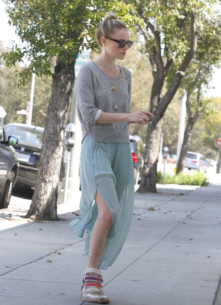 Kate_bosworth_Isabel_Marant_Willow_Sneaker_Maxi_Skirt_Hairdresser