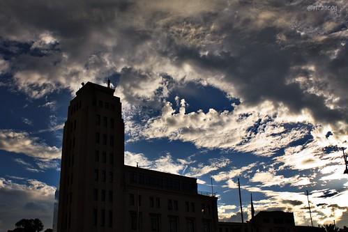 Contraluz y nubes