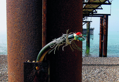 Ken_Garland_End of Cable_West Pier_Brighton_2007