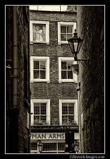 London Back Alley