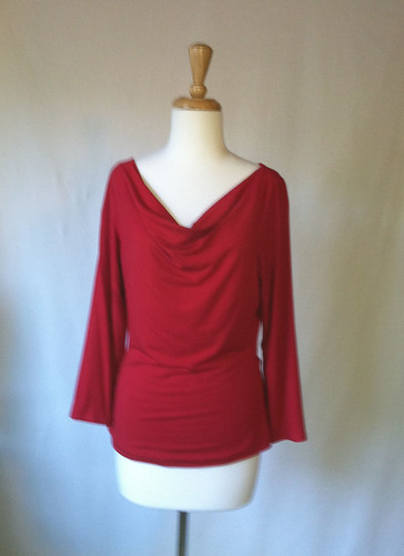 NL6901 cowl neck top in red