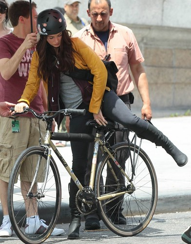 Megan-Fox-Rides-a-Bike-on-the-Set-of-TMNT-megan-fox-34446659-803-1024[1]