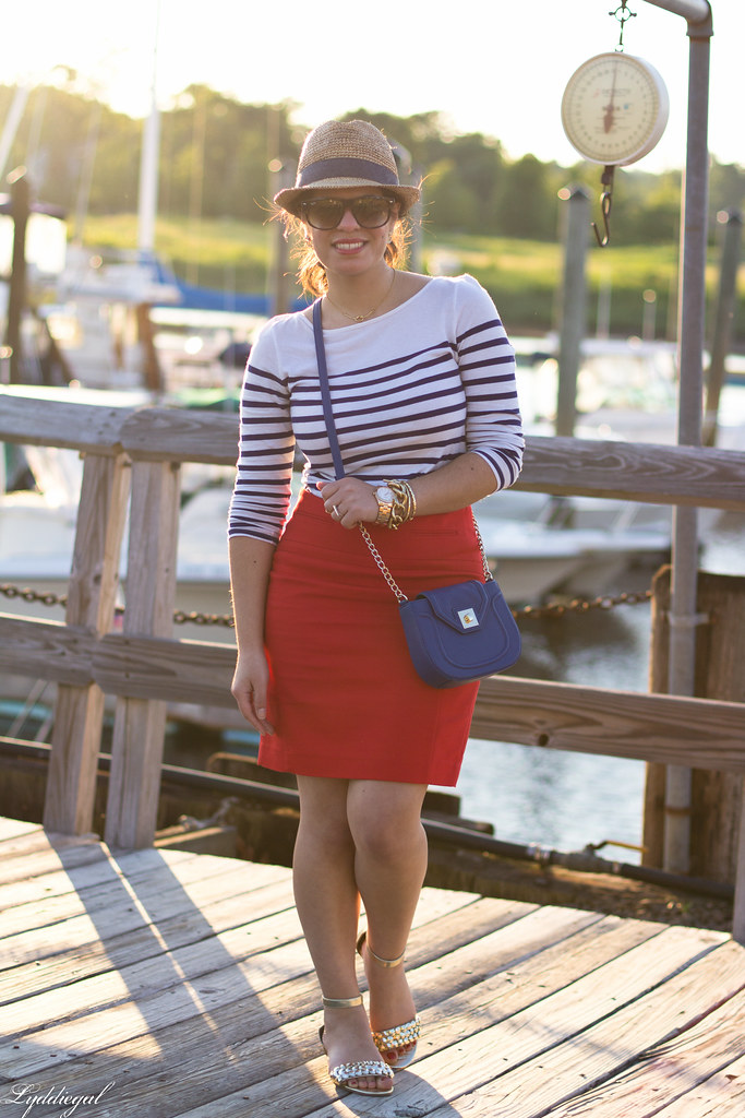 red pencil skirt-3.jpg