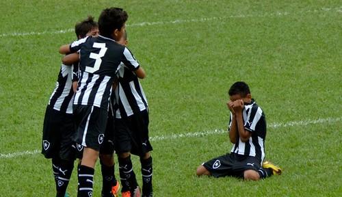 BotaxNig_GutoRibas_Botafogo